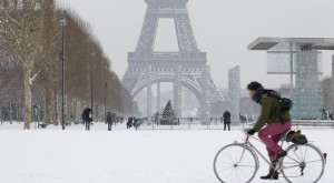 hiver-neige-paris-906x500